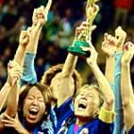 Japanske fodboldkvinder vinder VM mens tysk kanslerinde ser på
